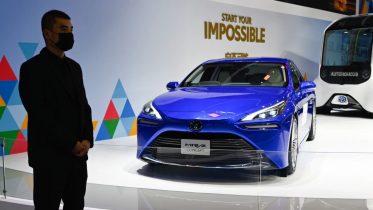 Toyota laver elbil, der kan oplades på 10 minutter