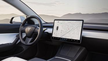 Tesla sagsøger tidligere medarbejder for at stjæle software