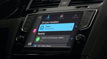 EasyPark ude til Apple CarPlay: Betal for parkering og elbilopladning fra bilen