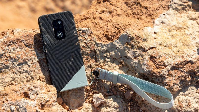 Motorola Defy er en holdbar telefon til aktive og håndværkere