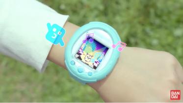 Nyt smartwatch til børn med Tamagotchi og skridttæller