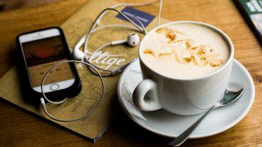 De bedste apps og tjenester til podcast-lytning