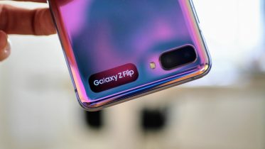 Spar tusinder af kroner på Samsung Galaxy Fold2 og Flip foldbare telefoner
