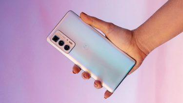 Vind Motorola Edge 20 til værdi af 3.699 kroner