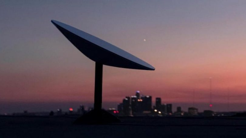 Starlink: Alle detaljer om SpaceX' bredbånd via satellitter