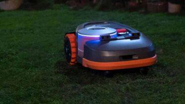 Segways Navimow-robot slår græsplænen ved hjælp af GPS