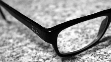 Facebook og Ray-Bans smarte briller kan blive lanceret i morgen