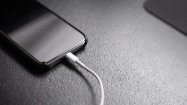EU Kommissionen vil tvinge Apple til at skifte til USB-C senest 2024
