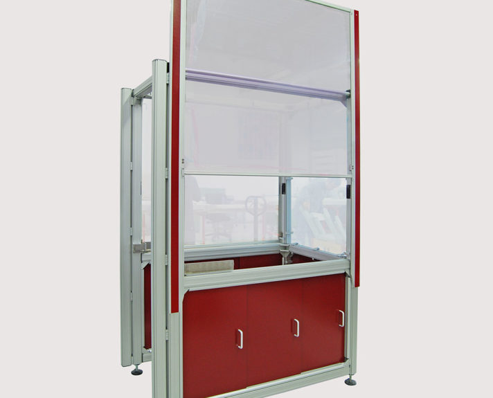automotive-7-2_schutzwand-mit-schiebewand_security-wall-with-liftable-safety-screen