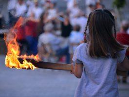 Flama del Canigó al Pont del Diable