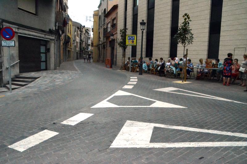 Anselm Clavé amb el carrer Revall i la continuació de les dues vies amb el carrer de Pere Puig