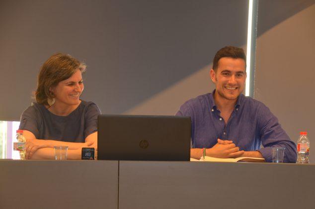 La periodista Mònica Pagès i el comissari Any Palet, Aleix Palau