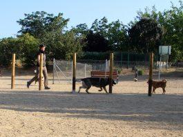 Zona d'esbarjo per a gossos Torrent de Llops