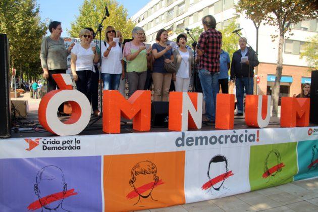 Crida per la democràcia. Acte d'Òmnium Cultural. Rambla de Les Bòbiles