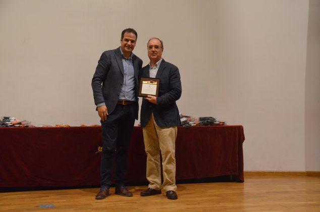 El regidor Albert Fernández i el president de la FCA, Joan Villuendas