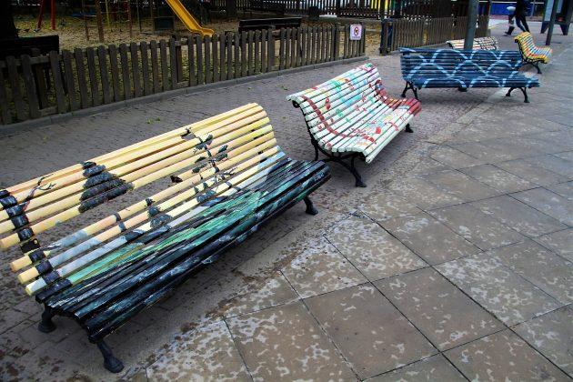 Exhibició dels bancs urbans dels Artistes Plàstics. IntARTvencions