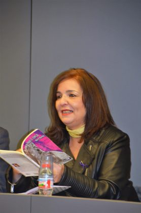Presentació 'Mujeres tras el espejo' de Núria Barnes