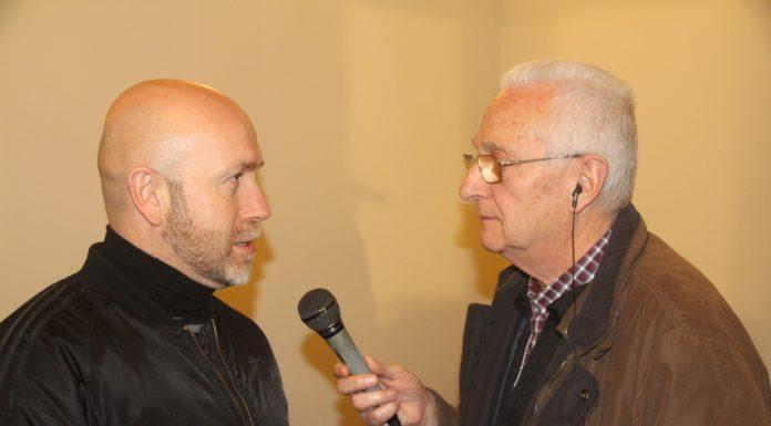 Sergi Corral, regidor de Cultura, i Cisco Sáenz de Pablo, locutor de Ràdio Martorell
