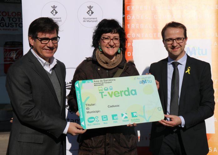 L'alcalde Xavier Fonollosa, la martorellenca Mònica López, i el director general de l'AMTU, Joan Prat