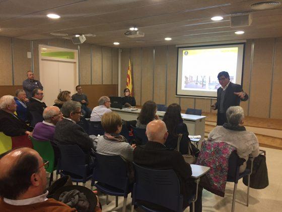 L'alcalde es reuneix amb els veïns del c/ Puig del Ravell