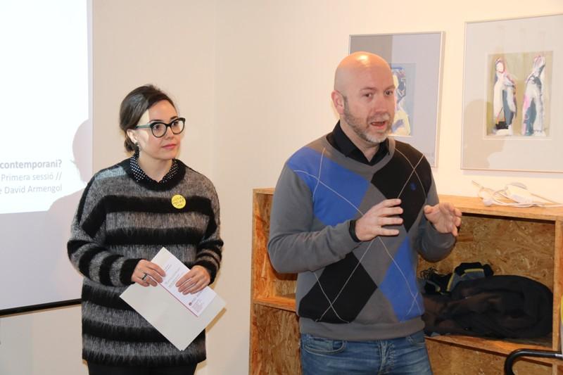 Anna Crosas, responsable Programa d'Arts Visuals de la Diputació i Sergi Corral, regidor de Cultura de l'Ajuntament de Martorell