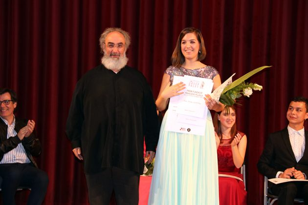 Paula Sánchez-Valverde i el patró de la Fundació Francesc Pujols Francesc de Castro. Final del 2n Concurs de Cant Josep Palet