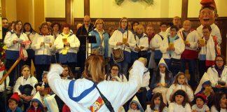 Caramelles a la missa de la parròquia de Santa Maria