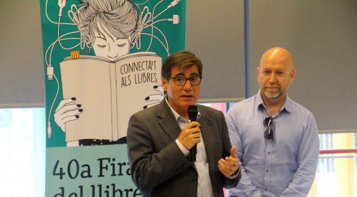 Fira de Sant Jordi. L'alcalde Xavier Fonollosa i el regidor de Cultura, Sergi Corral