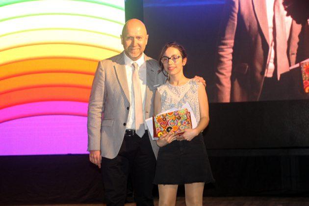 43è Premi Vila de Martorell. El regidor Sergi Corral i la premiada Montserrat Franco Gil
