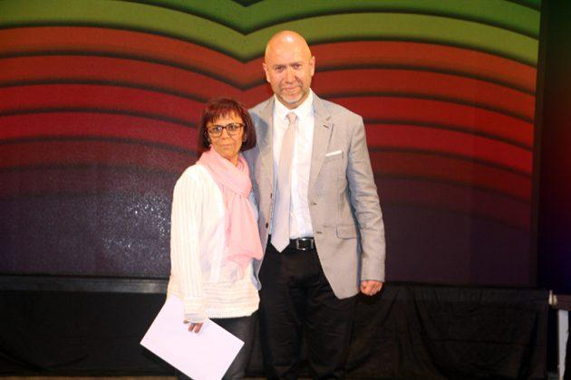 43è Premi Vila de Martorell. El regidor Sergi Corral i la premiada Maria Isabel Gil