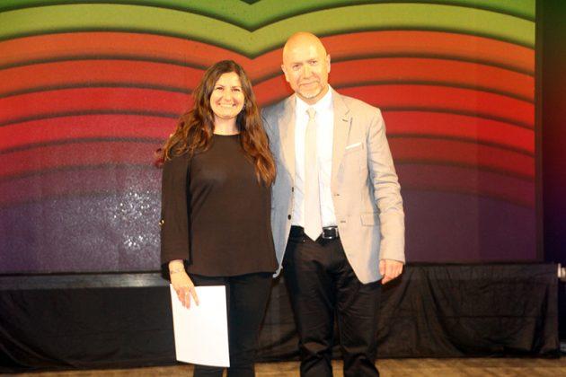43è Premi Vila de Martorell. La premiada Laura Sánchez i el regidor Sergi Corral