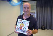 Paco Mir amb el seu nou llibre '¿De qué color soy?'