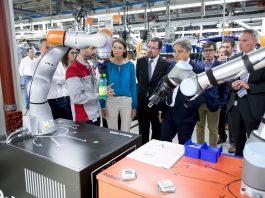SEAT rep la ministra d'Indústria, Comerç i Turisme, Reyes Maroto