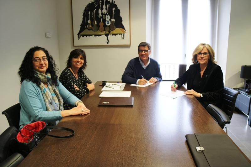 Signatura del conveni entre l'Ajuntament de Martorell i UNICEF