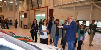 Visita consellers El Homrani i Bargalló al Centre de Formació d'Automoció