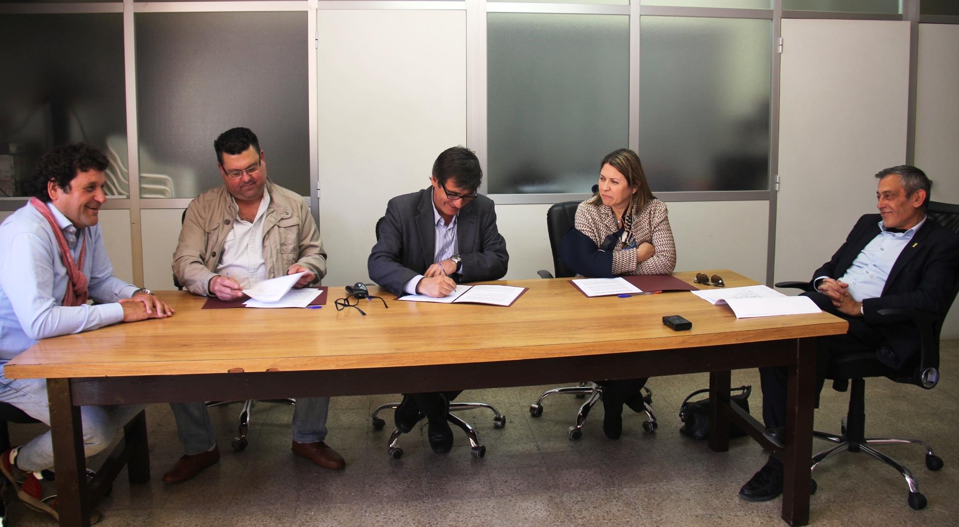 Signatura conveni Agència de l'Habitatge de Catalunya