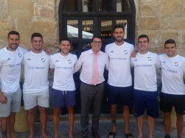 Yeray, segon per l'esquerra, amb part dels seus nous companys Fitxatge de Yeray pel Mengíbar (Foto: atleticomengibar.com)