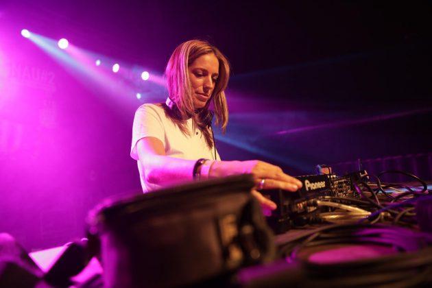 Festa del Roser. DJ Enka a la Nau#2 (Fotografia: Grisphoto)