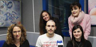 Professora i alumnes del CFGS Màrqueting i Publicitat Institut Joan Oró