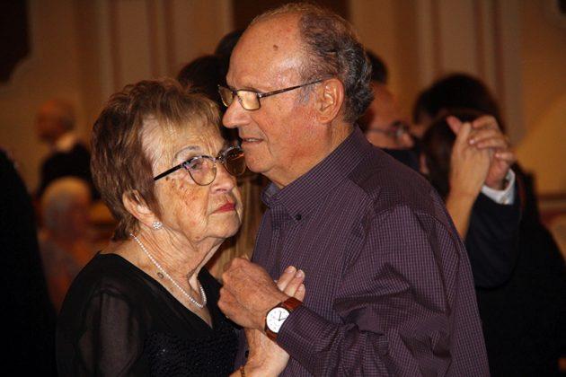 Sant Antoni Abat. Ball a El Progrés