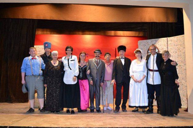 TIM Teatre. Nines Russes