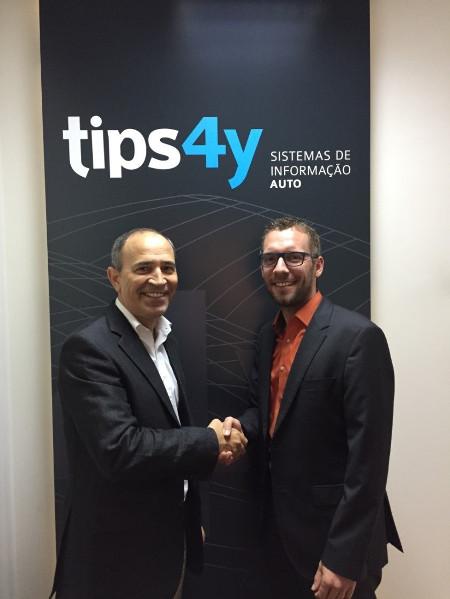 Pedro Barros, Managing Partner von TIPS 4Y (links) mit Christian Bergmann, Director Sales Fleet & Leasing bei TecAlliance.