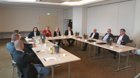 Teilnehmer des TecAlliance Partner Meetings in Würzburg.