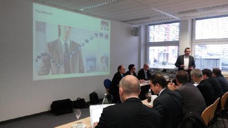 Andreas Assmann (Vice President Information Management TecDoc) während seines Vortrages auf der ASA-Veranstaltung.