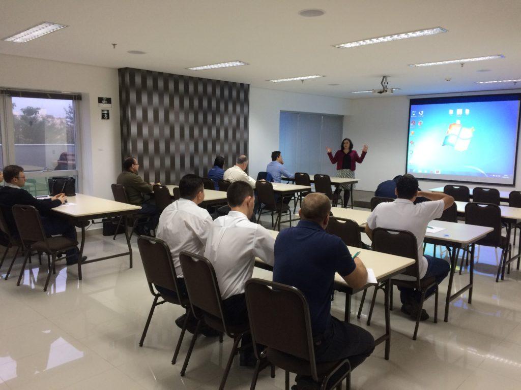 Brezilya'daki veri göndericileri workshopunun katılımcıları