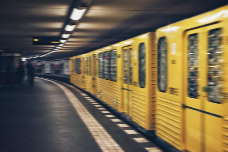 In einer US-Serie wird die U-Bahn gezeigt! Foto: Unsplash/Soroush Karimi