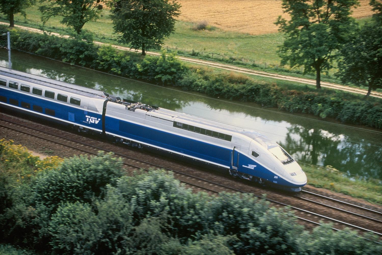TGV auf schneller Fahrt. Pressefoto SNCF