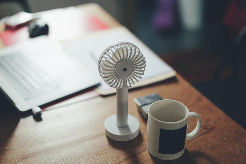 Mini-Ventilator. Symbolbild. Foto: Siniz Kim/Unsplash