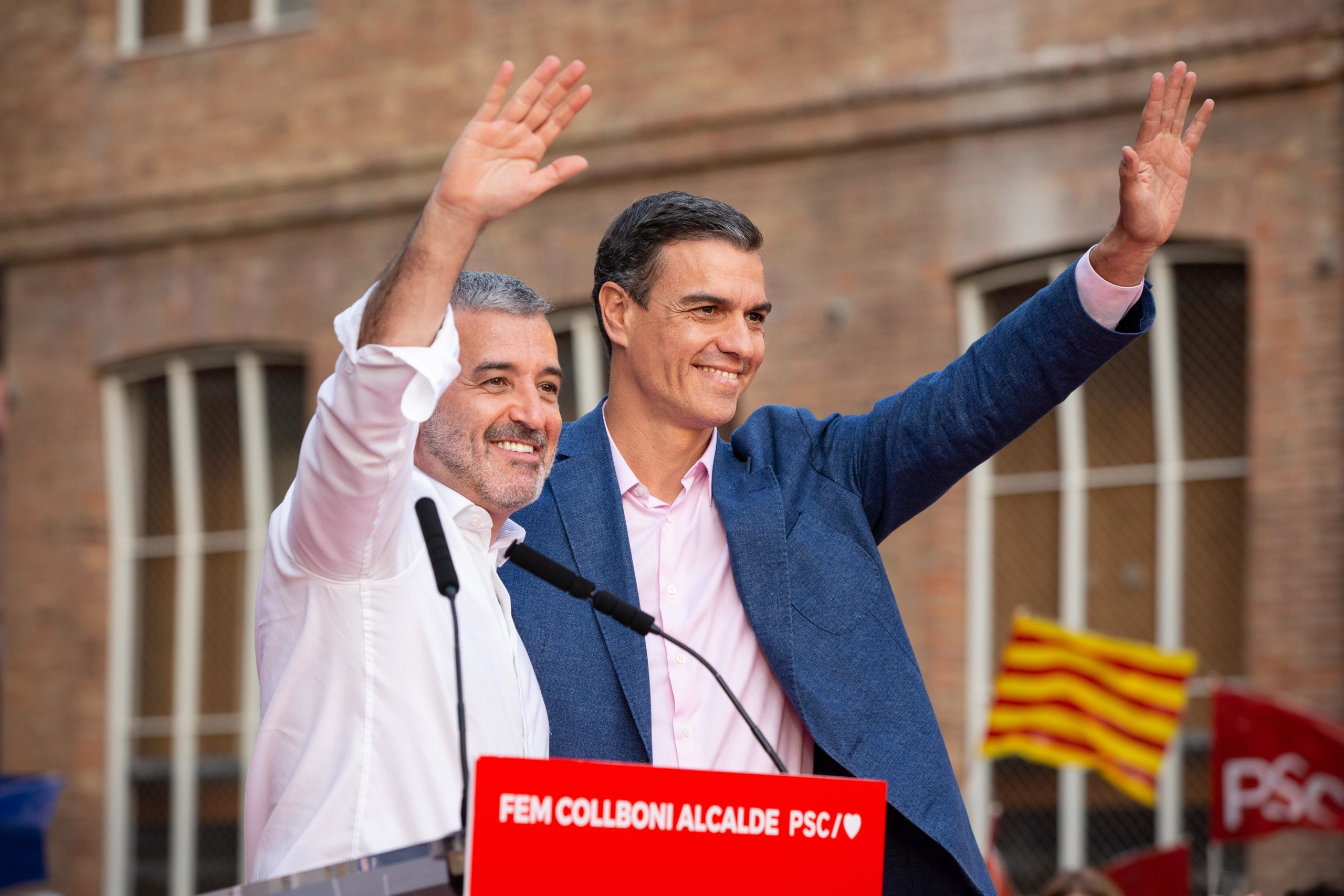 L'alcaldable Jaume Collboni i Pedro Sánchez a Sant Andreu. / Europa Press (David Zorrakino)