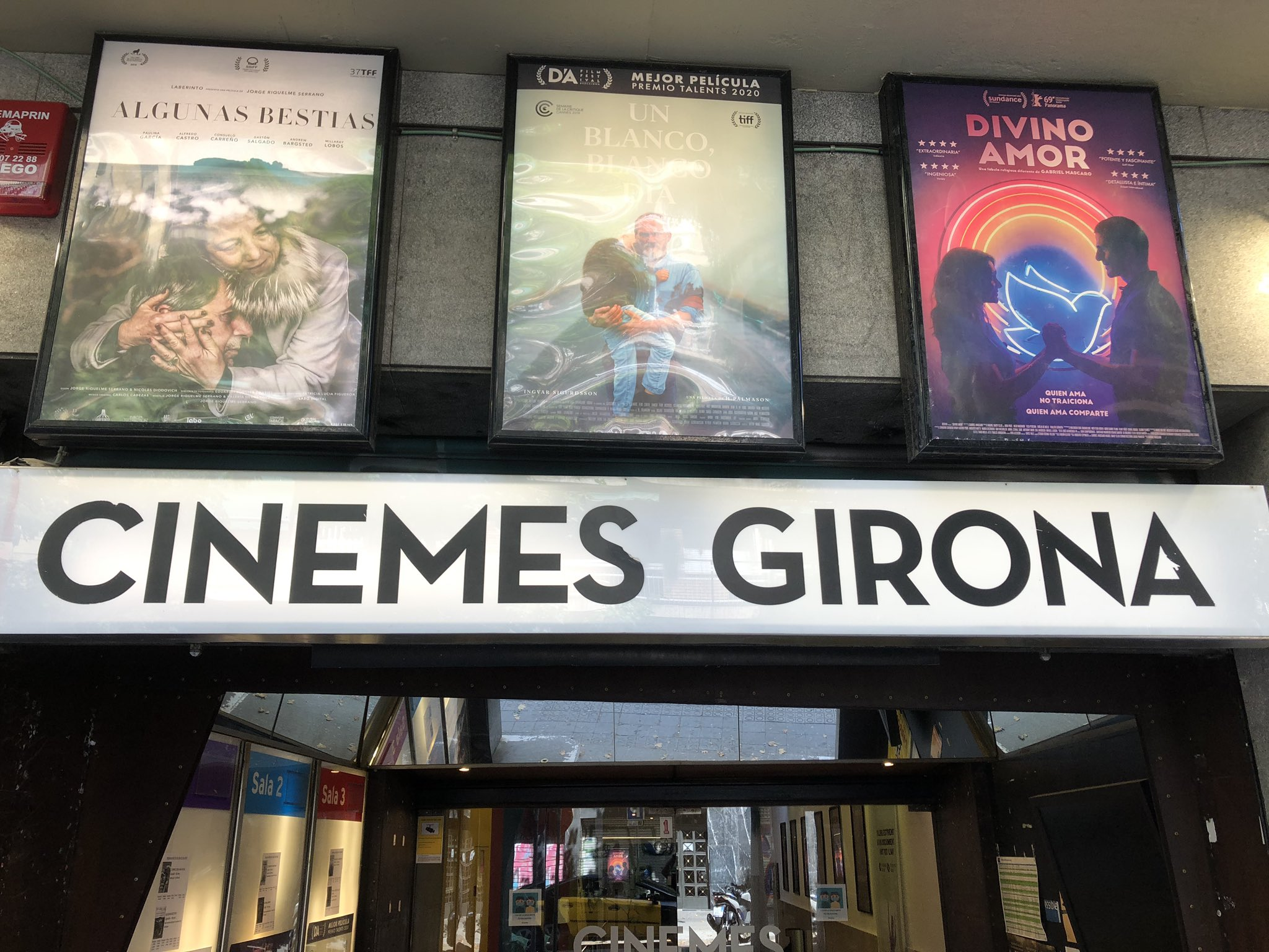 Cinemes Girona tanquen fins finals d'agost / Cinemes Girona